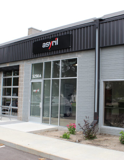 Front entrance of Hollander and Asyril located at Edina Commerce Center